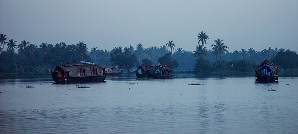 KERALA BACKWATERS - SOUTH INDIA