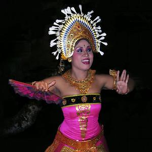JANGER DANCE - PURI SARASWATI