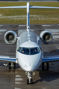Netjets Europe Bombardier BD-100-1A10 Challenger 350 CS-CHF 12-14-19