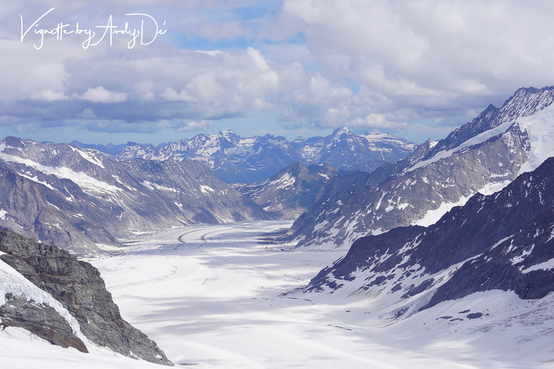 Panoramic vistas of the the Aletsch glacier, bordered by four thousand-meter peaks, from the Jungfraujoch. This will likely remind you of the fjords of Norway, and Glacier Bay in Alaska , the difference here is the spectacular 'Bird's Eye View' from the top of the mountain, which is hard to come by.