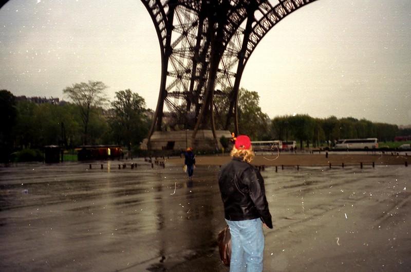 Eiffel tower around April 1989