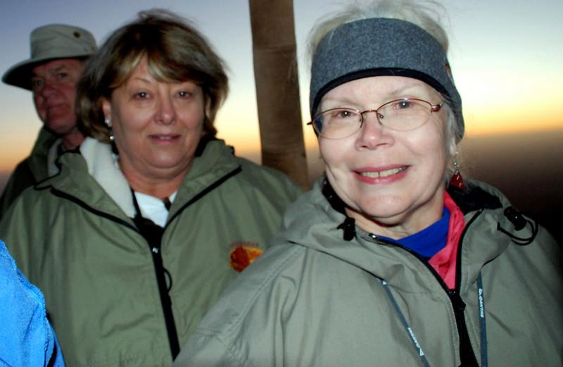 kay and betty in the balloon