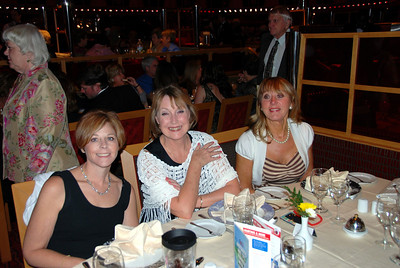 The Carnival Dream another night at dinner