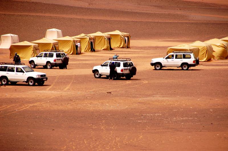 sahara desert tent camp 2