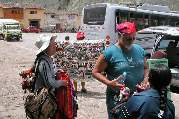 town square small town in peru, bargaining for goods