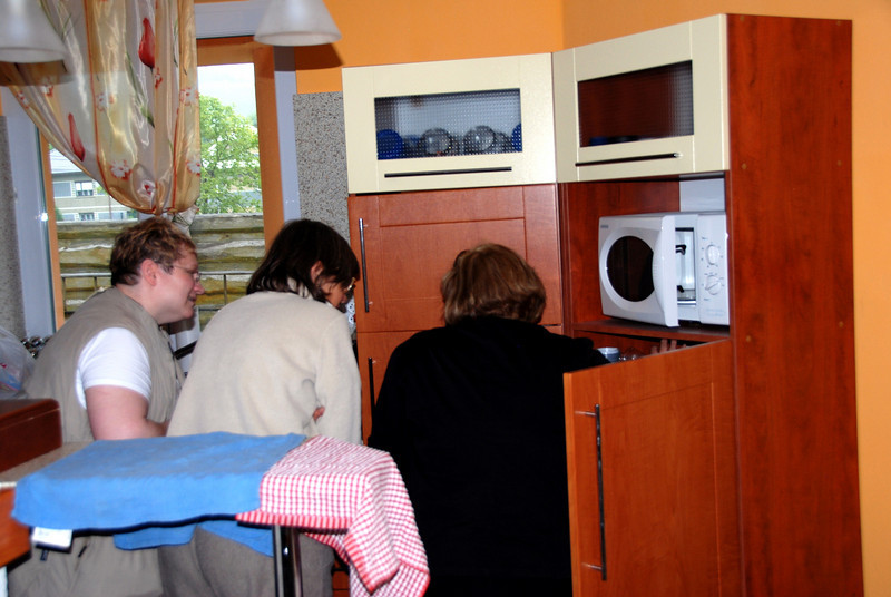 showing the kitchen and much food  in Uzovske Peklany