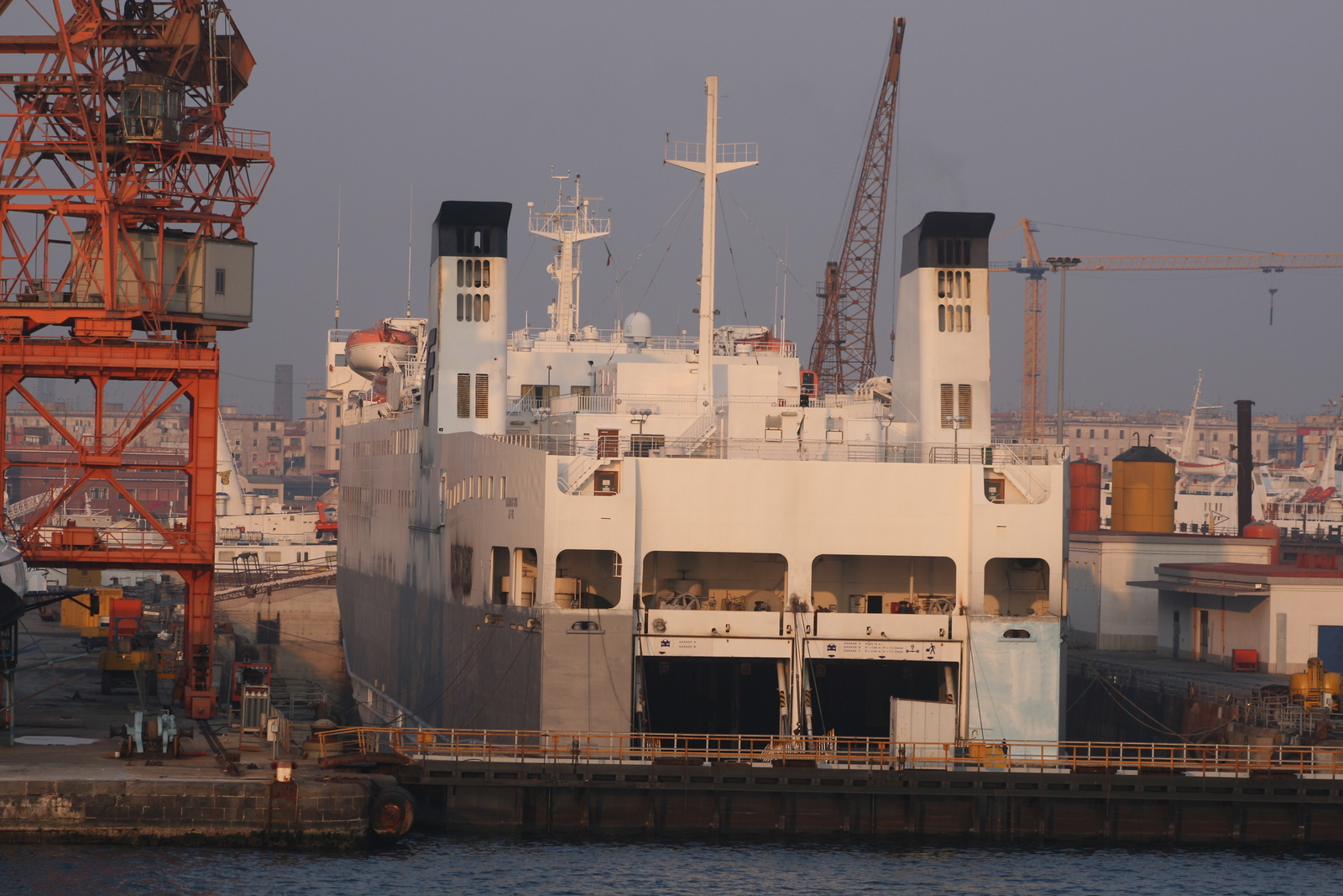 F/B VICTORY renaming as CHIHUAHUA STAR and repainting in shipyard in Napoli.