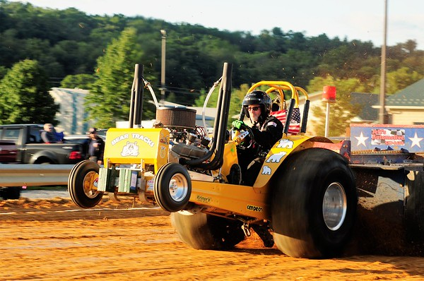 """INTERSTATE TRUCK & TRACTOR PULL """"MONT. ALTO"""" 9-9-17"""
