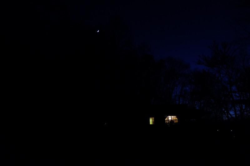 November 26 2014 Moon sliver