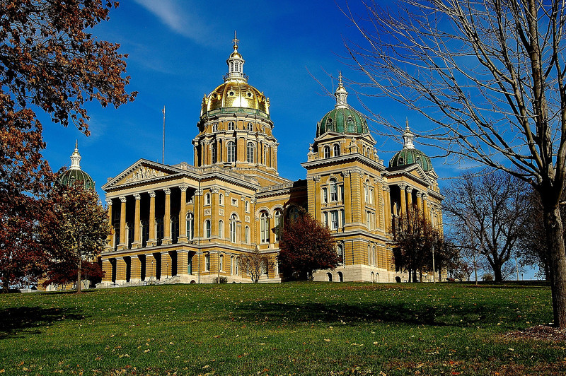Iowa State Capital<br /> The domes are covered in gold