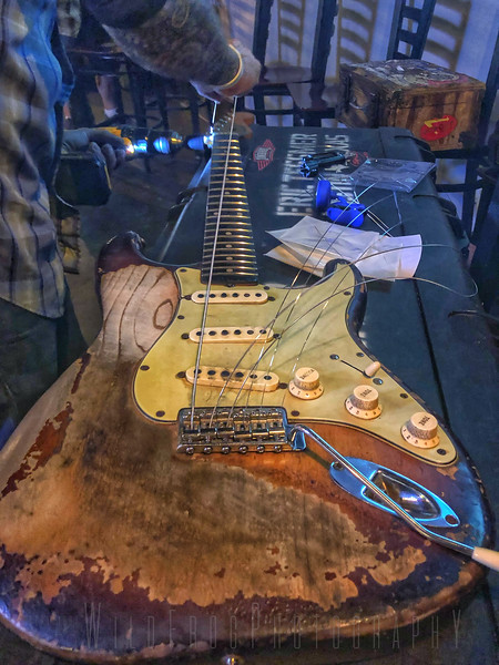 Restringing acoustic Guitar