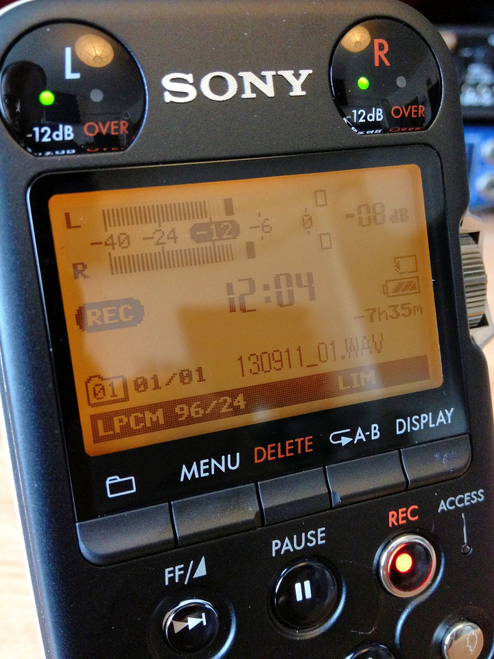 This amazing little recorder seems to have a nuclear power source built in. Batteries last forever! This is after 22  hours of recording and on eneloops. Just now, one bar down.