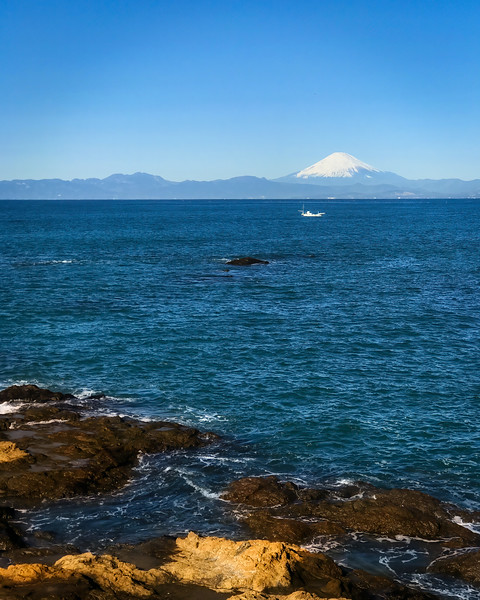 Clear day at Sagami Bay