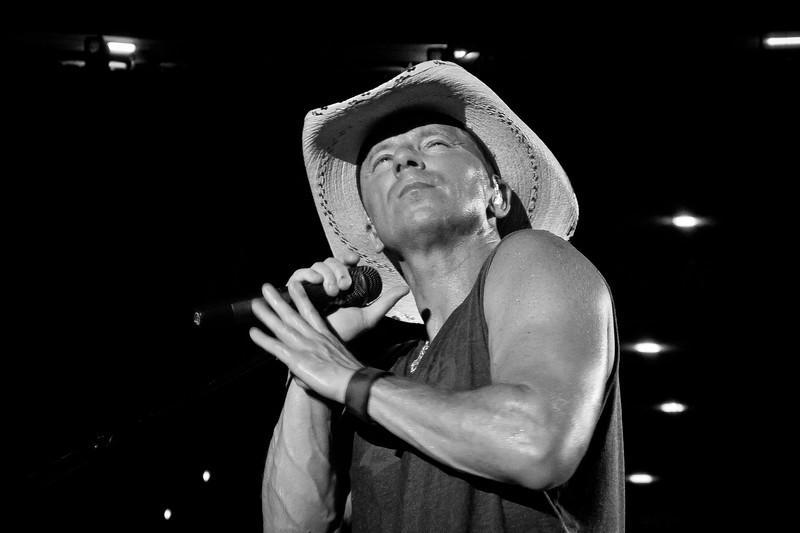 Kenny Chesney - Jon Currier Photography -countrymusicrocks net - iPhotoConcerts com-IMG_5283