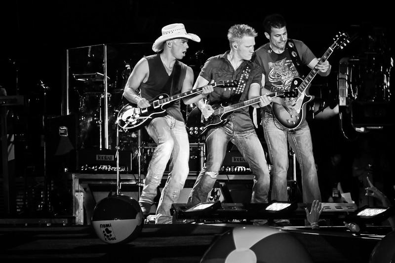 Kenny Chesney - Jon Currier Photography -countrymusicrocks net - iPhotoConcerts com-IMG_0511