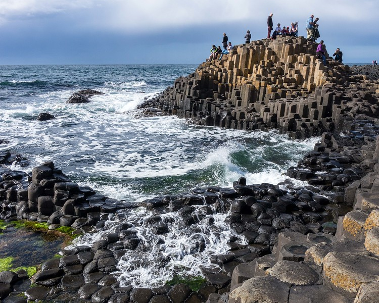 GIANT'S CAUSEWAY, GIANT TOURIST DRAW