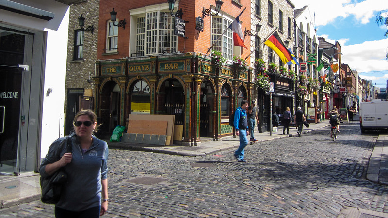 DUBLIN, TEMPLE BAR BY DAY