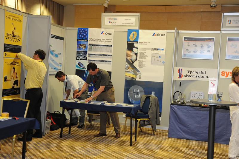 Industrijski_forum_IRT_2009_razstavni-prostori_43