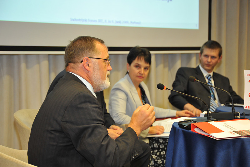 Industrijski_forum_IRT_2009_Okrogla-miza_9