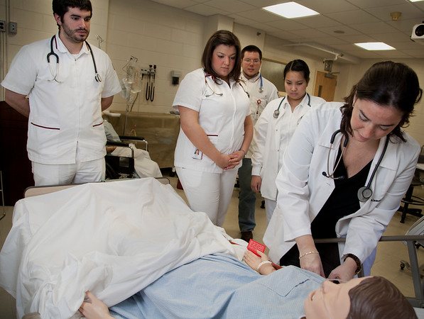 20120327 The School of Nursing SIM lab class at Holy Name Medical Center. 3/27/12  Photo by Jeff Rhode/Holy Name Medical Center