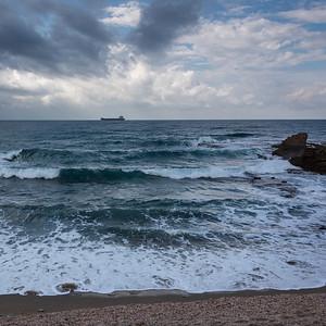 Waves in the sea, Israel
