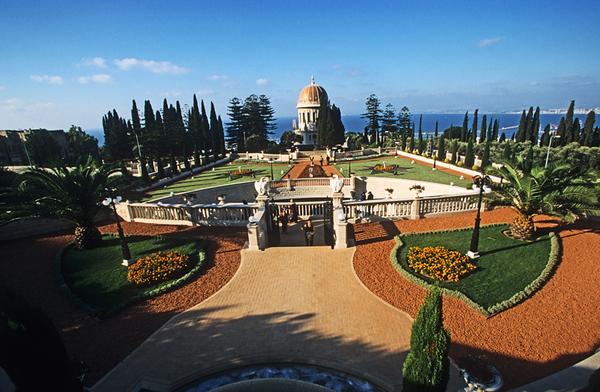 Shrine of the Báb and its associated terraces at the Bahá'í World Centre- Mount Carmel in Haifa, Israel, -הגנים הבהאים חיפה