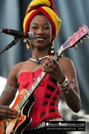 Fatoumata Diawara - Paris La Defense Jazz Festival 2012