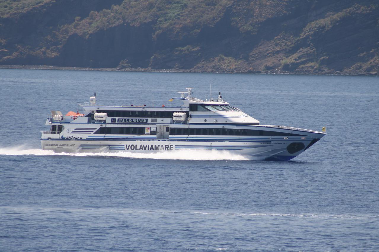 HSC AGOSTINO LAURO JET running between Eolian islands.
