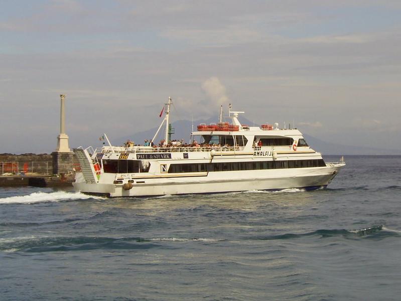 2007 - AMALFI JET departing from Capri.