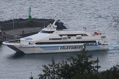 2010 - HSC ANGELINA LAURO JET on trials in the gulf of Napoli, first time in Capri.