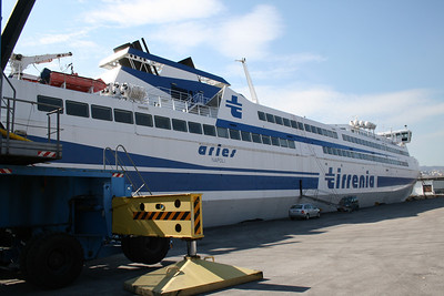2009 - HSC ARIES laid up in Napoli. Probably will never be in service.