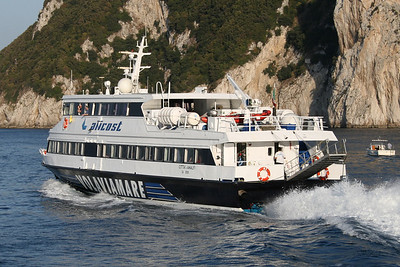 2008 - HSC CITTA' DI AMALFI departing from Capri.