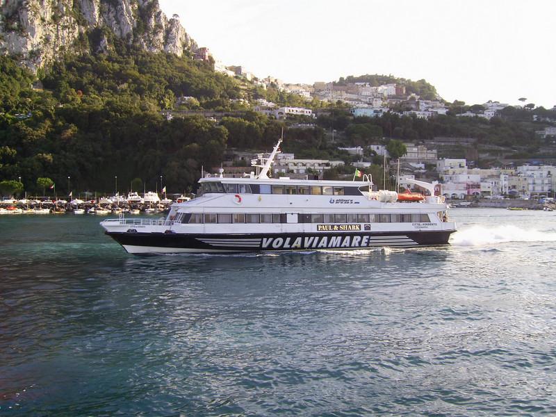 HSC CITTA' DI SORRENTO departing from Capri.