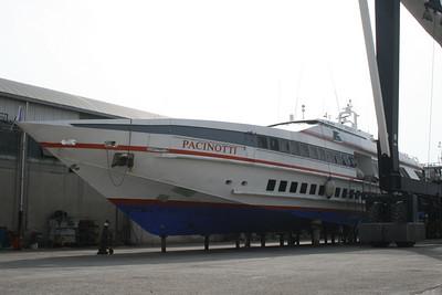 2008 - DSC PACINOTTI laid up in dry dock in Napoli.