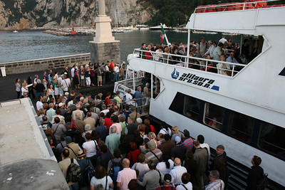EUROPA JET embarking in Capri.
