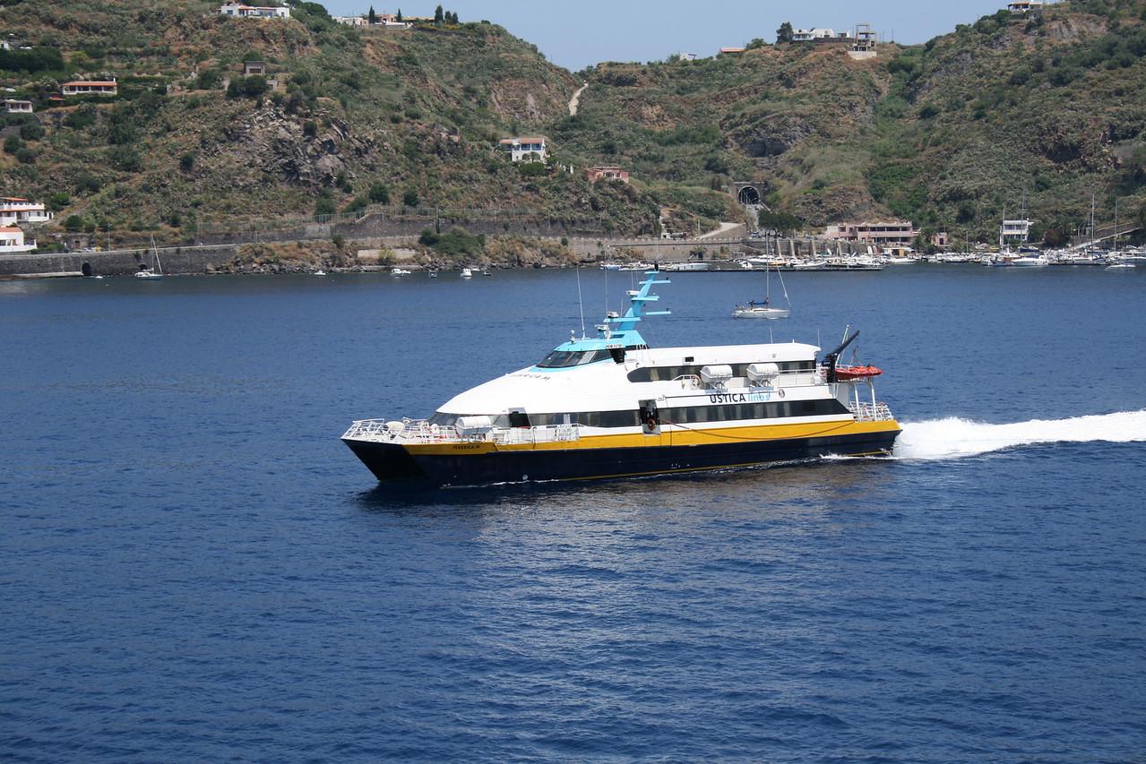 HSC FEDERICA M arriving to Lipari.