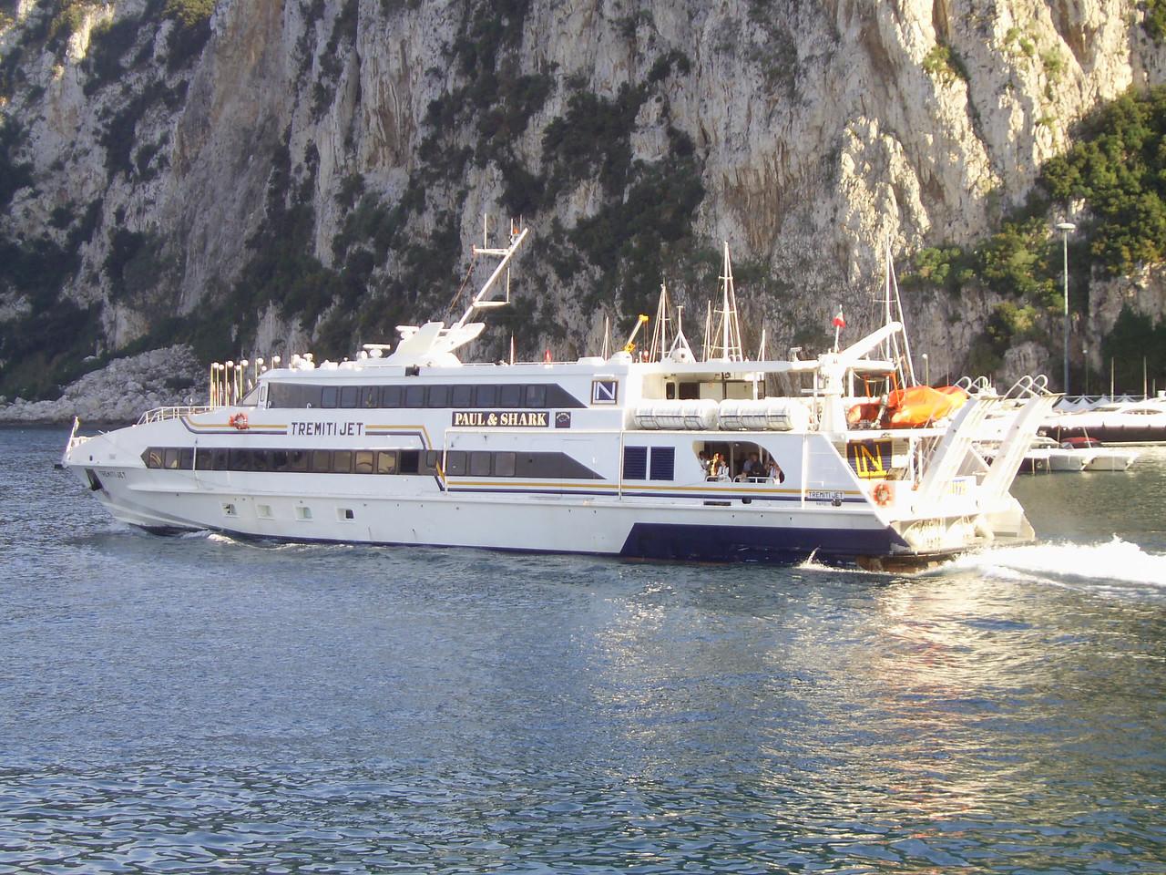 2007 - HSC TREMITI JET departing from Capri.