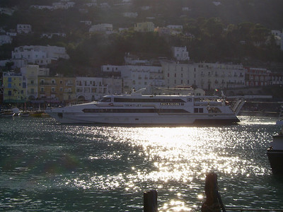 2007 - HSC TREMITI JET maneuvering in Capri.