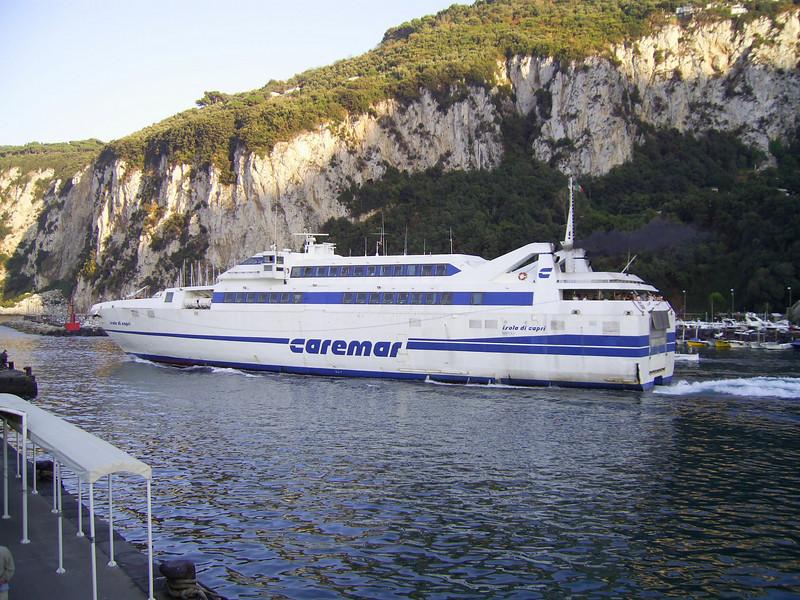 2007 - HSC ISOLA DI CAPRI departing from Capri.