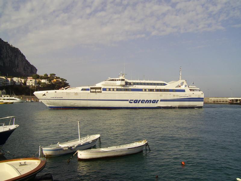 2007 - HSC ISOLA DI PROCIDA maneuvering in Capri.