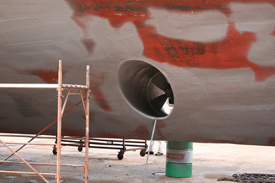 2011 - HSC ISOLA DI PROCIDA in dry dock in Napoli : bow thruster.