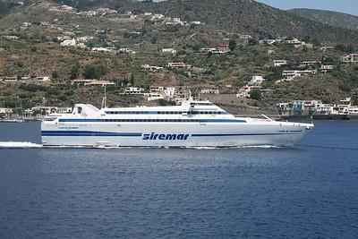 2009 - HSC ISOLA DI STROMBOLI departing from Lipari.