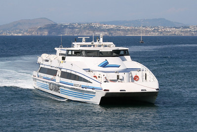 2008 - HSC MARIACELESTE LAURO arriving to Ischia.