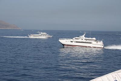 2010 - PONZA JET and NAPOLI JET crossing offshore Capri.