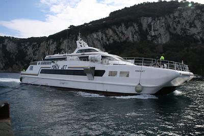 2010 - HSC PONZA JET arriving in Capri.