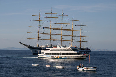 2008 - ROSARIA LAURO arriving to Capri. At the back ROYAL CLIPPER.
