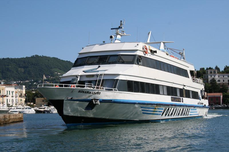 2008 - ROSARIA LAURO departing from Ischia.