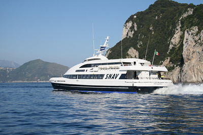 2011 - DSC SNAV ALCIONE departing from Capri.
