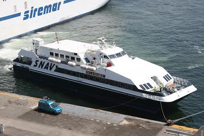 2009 - SNAV ANTARES in Napoli.