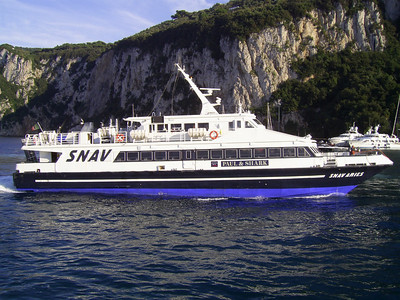 2007 - SNAV ARIES arriving to Capri.